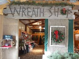 wreaths country christmas trees
