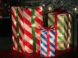 pre lit 3 d glistening striped presents 70 lights 18 15 10
