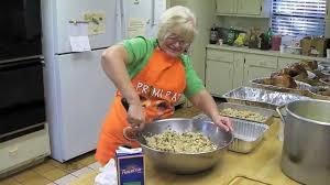 cook thanksgiving dinner elba cooks thanksgiving dinner for 100 youtube