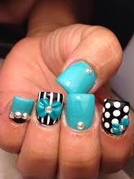 like the black and white with turqoise bows nails hand painted