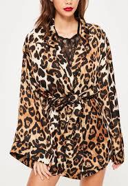 robe de chambre leopard robe de chambre marron imprimé léopard missguided