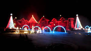 christmas light show house music insane trans siberian orchestra light show awesome christmas stuff