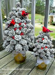 Decorating Pine Cones With Glitter 30 Festive Diy Pine Cone Decorating Ideas Hative