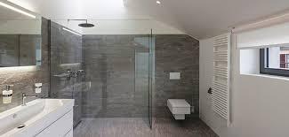 badezimmer klein kleine bäder gestalten kleine badezimmer optisch vergrößern