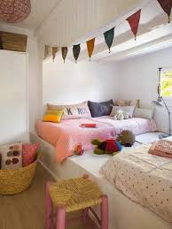 meuble chambre ado 120 idées pour la chambre d ado unique couverture de lit ado