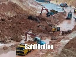 landslide at byndoor nh66 leaves thousands people stuck sahilonline