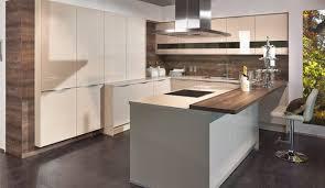 kche weiss hochglanz mit braun fliesen haus renovierung mit modernem innenarchitektur geräumiges kuche