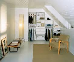 comment tapisser une chambre comment tapisser une chambre 3 un dressing mansarde des id233es