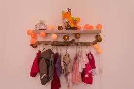 porte manteau chambre bébé id e d co chambre b fille artdkids porte manteau mural pour bebe