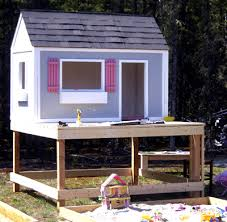 Playhouses For Backyard by Ana White Playhouse Roof Diy Projects