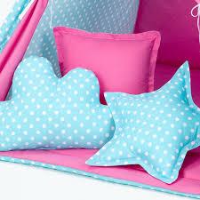 coussin chambre bébé coussin décoratif chambre enfant turquoise à pois et l jurassien