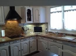 restaurer une cuisine rustique cuisine rustique relooker rayonnage cantilever