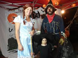 family of 5 halloween costume ideas the wizard of oz costumes buycostumes com 7 things you didn t