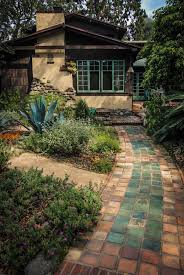 Craftsman Style Bungalow Best 25 Bungalow Decor Ideas On Pinterest Small Terrace Small