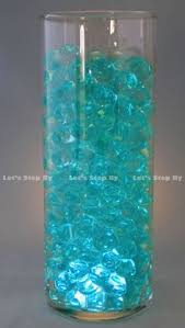 Water Bead Centerpieces by Clear Water Beads In Clear Vase With A Submersible Light And Silk