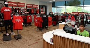 Unl Interior Design College Of Business Huskers Shop Opens Opportunities For Students