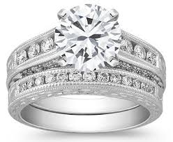 difference between engagement and wedding ring important differences between an engagement ring and a wedding