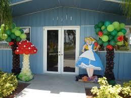 alice in wonderland characters mushroom balloon sculpture http