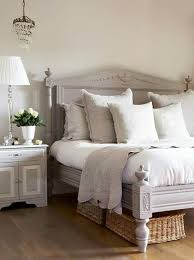 Vintage Bed Frames Best 25 Vintage Bed Frame Ideas On Pinterest Farm House