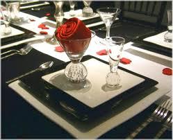 tablescape natural wood rustic wedding reception decor florals