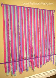 streamer backdrop on a easy diy streamer backdrop party planning