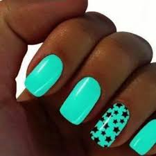 mint color nails