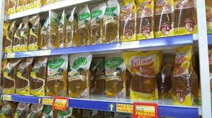 Minyak Filma 2 Liter pakai hicard minyak goreng sania fortune refill 2 liter seharga rp