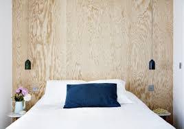 luminaires chambres gros plan d une tete de lit avec deux luminaires de chaque cotes de