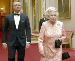 Queen Elizabeth Donald Trump Queen U0027volunteered U0027 To Appear In The Spoof James Bond Sketch At