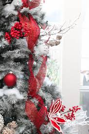 Christmas Tree Decorating Ideas Classic Red And White Christmas Tree Decorating Ideas