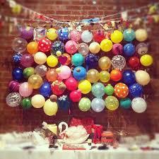 wedding backdrop balloons hilarious wedding reception balloon pop photo