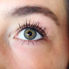 How To Curl Your Eyelashes Makeup Monday How To Tightline