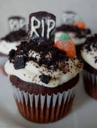graveyard cupcakes u2013 life is better red