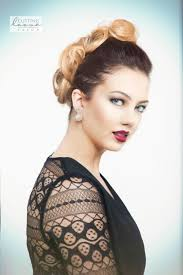 38 pin up hairstyles that scream