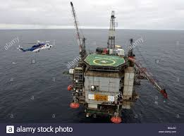 north sea rig helicopter stock photos u0026 north sea rig helicopter