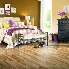 Pergo Maple Laminate Flooring Pergo Xp Haley Oak 8 Mm Thick X 7 1 2 In Wide X 47 1 4 In Length
