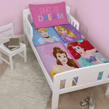 Lit Princesse Adulte by Parure De Lit Princesse Disney Raiponce Cendrillon Brave 1001