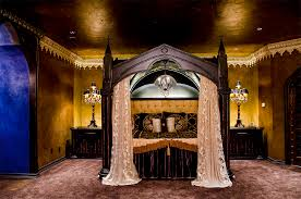 Purple Gothic Bedroom by Gothic Interiors 40 Images Church Of Halloween
