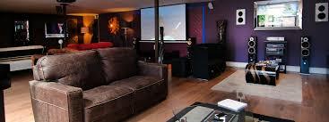 paramount av rooms services