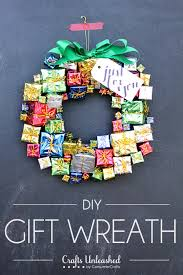 Instructions On How To Make A Toy Box by 60 Diy Christmas Wreaths How To Make A Holiday Wreath Craft