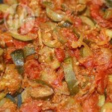 cuisiner courgettes poele recette curry de courgettes et tomates toutes les recettes