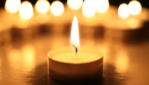 memorial candle remembering a loved one how to remember someone who has died