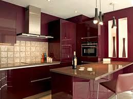 cuisine couleur bordeaux brillant une cuisine bordeaux brillant