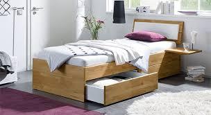 betten für jugendzimmer praktisches schubkastenbett perfekt fürs jugendzimmer modern