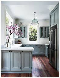cost of kitchen cabinets for small kitchen 40 brilliant kitchens cabinets design ideas