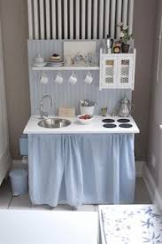 Kidkraft Modern Country Kitchen - play kitchen link to many different toy kitchens great for