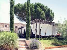 Un Mas En Provence Hotel In Chateauneuf Le Rouge Mercure Aix En Provence Sainte