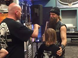 guitar center thanksgiving zack wylde kicks it with the fanslos angeles post examiner