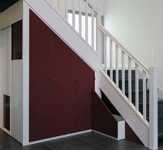Placard Sous Escalier Avec Tablettes Agencement Aménagement De Sous Pente Et Sous Escaliers Hom In