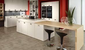 cuisine blanche classique couvercle de hotte cuisinière sculpté armoire cuisine blanche